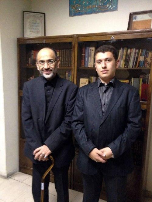 دکتر مهدی خزعلی و فرزندشان محمدصالح - عکس:خرداد92 پس از آزادی